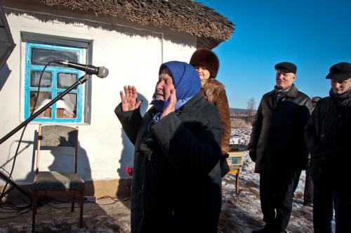 Однокласниця Василя Симоненка Марія Заєць розповідає про шкільні роки поета.